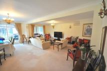5 bedroom Detached home in Chipperfield Road...