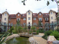 Flat to rent in The Quadrangle, Horley