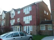 Flat to rent in Tuscany Gardens, Crawley