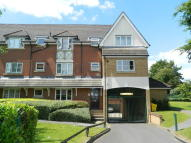 Maisonette to rent in Burnham Heights...