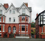 6 bed semi detached house in Craig Road...
