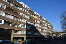 Maisonette in Justin Close, Brentford