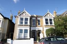 3 bedroom semi detached house to rent in Avenue Road, Leigh-On-Sea