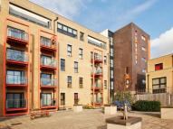 2 bed Flat to rent in Park View Court, Bow E3