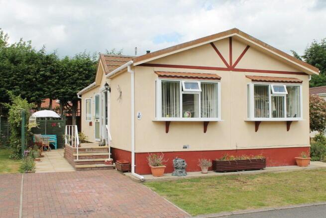 2 Bedroom Mobile Home For Sale In Waveney Park Stuston Road Diss Ip22