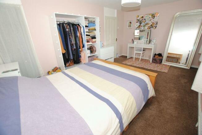 Bedroom long 1