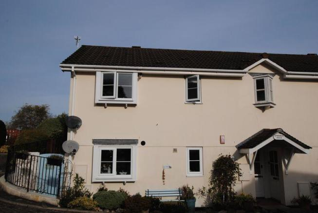 bedroom flat for sale in bis be gardens saltash pl12