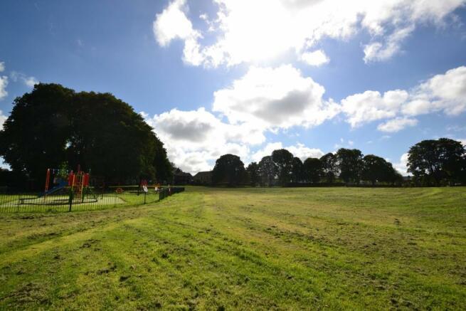 Salisbury Fields Dor