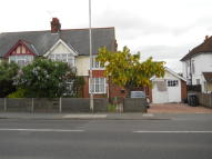 2 bedroom Flat in London Road, Deal, CT14