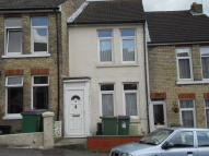 2 bed Terraced home to rent in EDWARD ROAD, Folkestone...