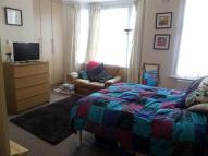 Studio flat in Beautiful Large Studio -...