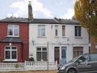 2 bedroom Terraced property for sale in Caversham Road...