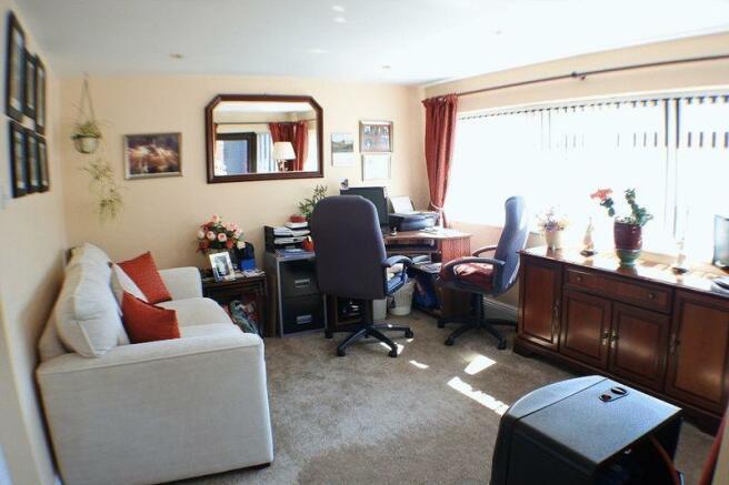 Sunroom/Office...