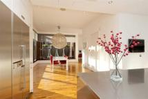 3 bedroom Flat for sale in St John's Path...
