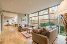 5 bed property in Compton Street, EC1V