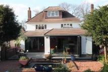 4 bedroom Detached property in Farnborough