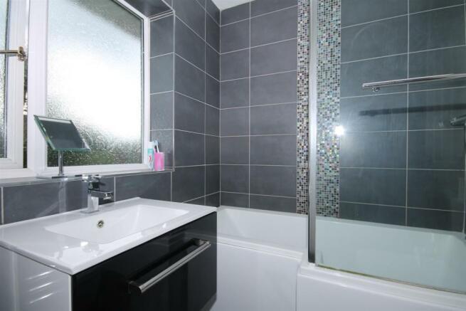 7' 3 Bathroom