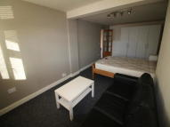 1 bed Studio flat to rent in Tachbrook Road...
