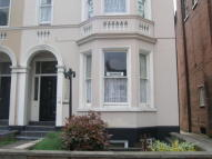 1 bed Flat to rent in Avenue Road...