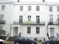 Flat to rent in Clarendon Square...