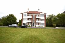 3 bedroom Flat to rent in Hollywood Court, Elstree