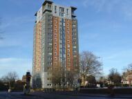 Flat to rent in 43 Heysmoor Heights...