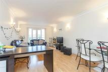 2 bed Apartment in Portland Court...