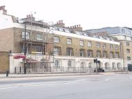 Apartment to rent in 37 Gatehouse Square...