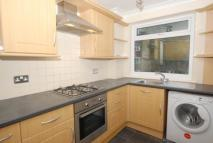 2 bed Maisonette to rent in Alanthus Close, Lee, SE12