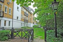 Flat for sale in Riverside Court...