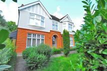 Detached home in Glenesk Road...