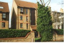 Flat in Vanbrugh Park Road West...