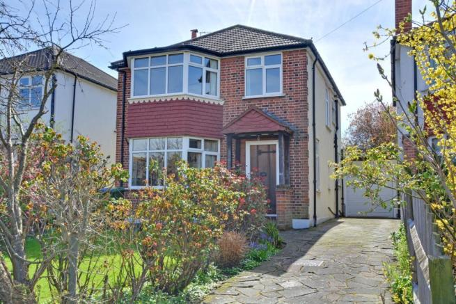 3 bedroom detached house for sale in Upwood Road Lee London