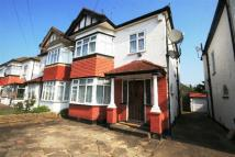 3 bedroom home in Sussex Way, Cockfosters...
