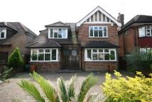 4 bed home in Chase Side, Southgate...