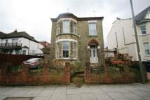 5 bed home in Colney Hatch Lane...