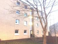 Flat to rent in Lewiston Drive...