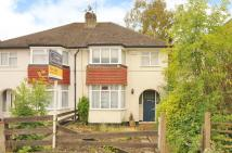 3 bed house in Roundways, Ruislip...