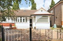 4 bed Bungalow in The Fairway...