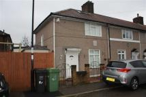3 bed End of Terrace house in Launcelot Road