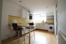 2 bed Town House to rent in Glanville Road, London...