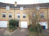 3 bedroom house in Harlech Gardens, Pinner...