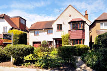 5 bedroom property for sale in High View, Pinner...