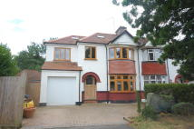 6 bed house in Lincoln Road, Harrow...