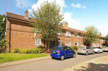 Flat in Haydon Drive, Pinner...