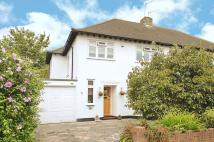 4 bed property in Park View, Hatch End...