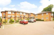 Apartment in Maple Court, Pinner...