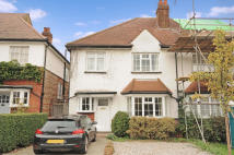 4 bedroom house in Meadow Road, Pinner...