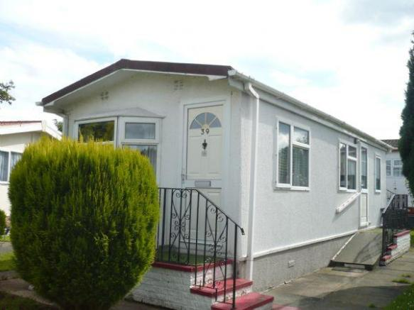 1 Bedroom Property For Sale In Home Farm Park Lea Green Lane