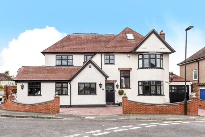 6 bedroom detached house for sale in faraday road welling for Six bedroom house for sale